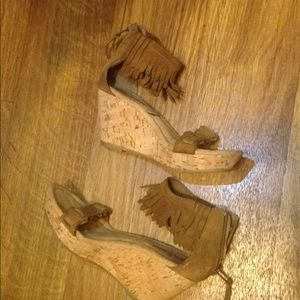 Minnetonka Cork leather fringe wedges. Women's  5